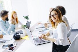 Współpraca biura tłumaczeń z freelancerami