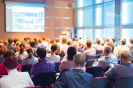 Czym są usługi konferencyjne w ofercie biura tłumaczeń?