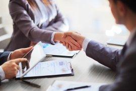 Tłumacz na spotkanie biznesowe: angielski-francuski