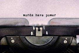 Przyszłość branży tłumaczeniowej w dobie upraszczania języka użytkowego